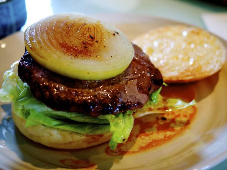 Cafe Snailのハンバーガー